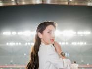 Angelababy白色套装出席活动 生图颜值能打吗?