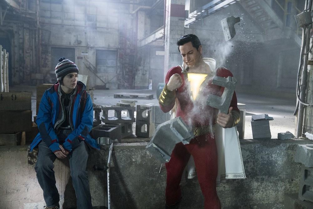 """《雷霆沙赞!》上映在即 DC""""一哥""""海王力挺小弟"""