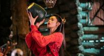 张天爱红衣造型美艳 CCTV6电影频道4月11日11:20播出《鲛珠传》