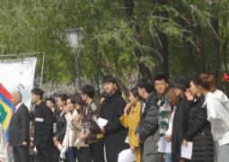 刘昊然易烊千玺赵嘉敏等中戏拍摄 排排站身高亮了