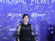 评委刘嘉玲亮相北影节 黑色落地长裙尽显优雅大方