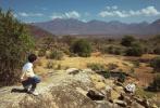 """4月21日,王俊凯工作室曝光了一组此前在非洲拍摄的写真大片。大片中,王俊凯身穿黄白拼色衬衫,搭配牛仔裤。造型看起来干净清爽,活力满满,洋溢着春日气息。正如王俊凯对自己的评价一样:""""青春有活力,蓬勃有朝气。"""""""