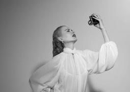 妮可·基德曼拍性感寫真 長短發切換演繹風情萬種
