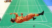"""杜江拼了! 体验消防救人高空绳索攀爬 结果却被""""骗了"""""""