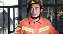 """杜江探訪消防訓練一線 體驗救援科目感嘆""""像得救了一樣"""""""