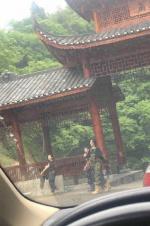 吴亦凡录制《向往的生活》 与何炅张子枫又说有笑