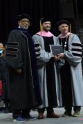 賈老板被授予伯克利博士學位 畢業典禮上臺演講