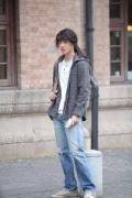 刘昊然《双生》今日上映 长发造型被调侃像姑娘