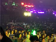 张丹峰洪欣带女儿看乐华演唱会 支持儿子张镐濂