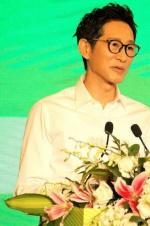 王勁松怒斥年輕演員:背臺詞能被表揚?多不要臉