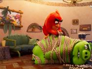 萌鳥大戰綠豬!《憤怒的小鳥2》發布父親節視頻