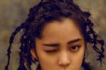 欧阳娜娜全新大片演绎摇滚少女 脏辫发型似仙人掌