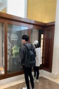 甜!張若昀唐藝昕挽手逛大英博物館 感謝網友祝福