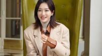 """秦岚最新作品《怪你过分美丽》 拍摄现场变身""""强势""""女性"""