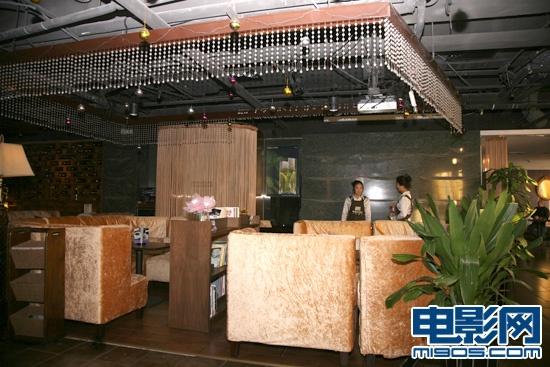 店内装修走欧洲宫廷风-铂澜咖啡馆