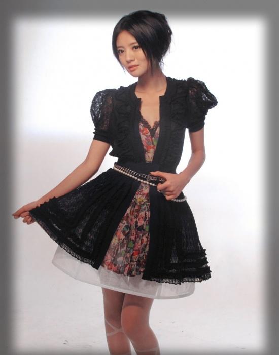 安以轩公主写真梦幻性感 最想穿旗袍一展女人味