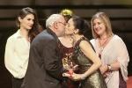 最佳影片奖花落《小英格兰》 主创激动登台致谢