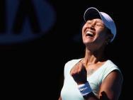 《李娜》曝杀青海报 网球女王的三个重要人生节点