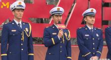"""致敬""""逆火英雄"""" 黄晓明、杜江等演员谈心目中的消防战士"""
