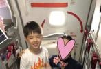 4月7日,有网友晒照在湖北偶遇霍思燕带着儿子嗯哼踏青。