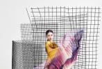 4月10日,Angelababy登《时尚芭莎》五月刊高定封面大刊曝光。