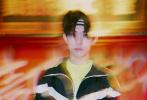 5月18日,《这!就是街舞》第二季正式播出,易烊千玺也携易燃装置战队霸气回归,再次担任明星队长。