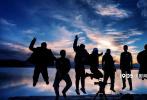 日前,电影《盐湖计划》在河南郑州举行了项目启动发布会。作为河南省重点推荐电影项目,影片导演陆磊,河南文化影视集团董事长、《盐湖计划》总制片人刘健,河南省委宣传部电影处处长梁莉,制片人杨佳宁,著名音乐人孙楠,演员周韦彤、张子栋、巴多、一龙,相声演员卢鑫等众多嘉宾莅临出席。