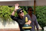 当地时间8月29日,威尼斯,参加本届威尼斯电影节的布拉德·皮特现身码头离开酒店。