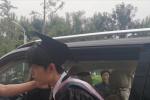 肖战宋祖儿校园拍摄MV 穿学士服谈吉他CP感十足