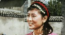 ?#27573;?#26421;金花》女主角杨丽坤被导演偶然发现,当时的情景太美好