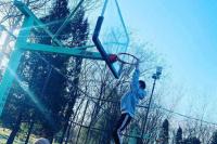 王源疫情期间回国?晒打篮球照片假装在北京逗粉丝