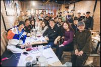 杨洋为成龙庆66岁生日:大哥生日快乐 万事胜意