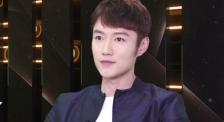 张鑫:为演好角色苦练书法 用眼神向观众传达信息