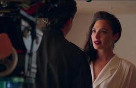 《神奇女侠2》里女侠的嘴唇为何这么美