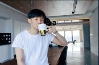 李荣浩撞脸萌犬:没想到我会对生物界有所贡献