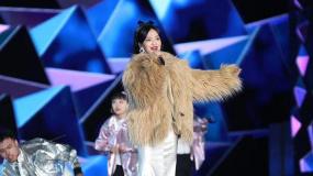 张韶涵亮相第6届成龙国际动作电影周 演唱《欧若拉》